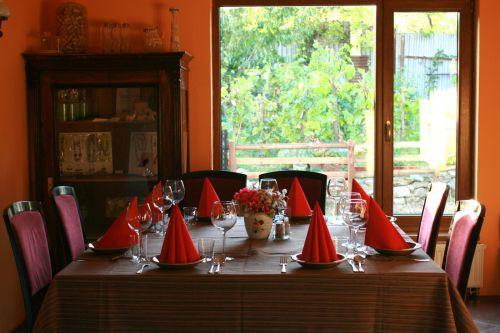 Vinohradnícka izba, Svätý Jur