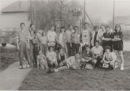 Hromadna fotka (r. 1992)
